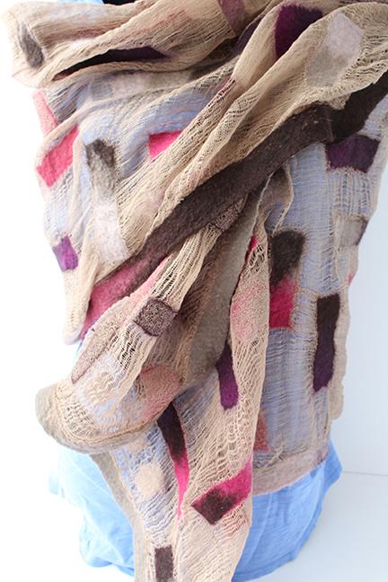 Chal de algodón teñido y lana fina
